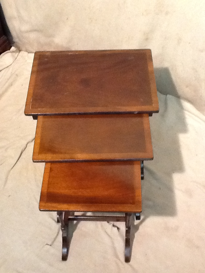 A nest of 3 reproduction mahogany coffee tables largest for Coffee tables 50cm wide