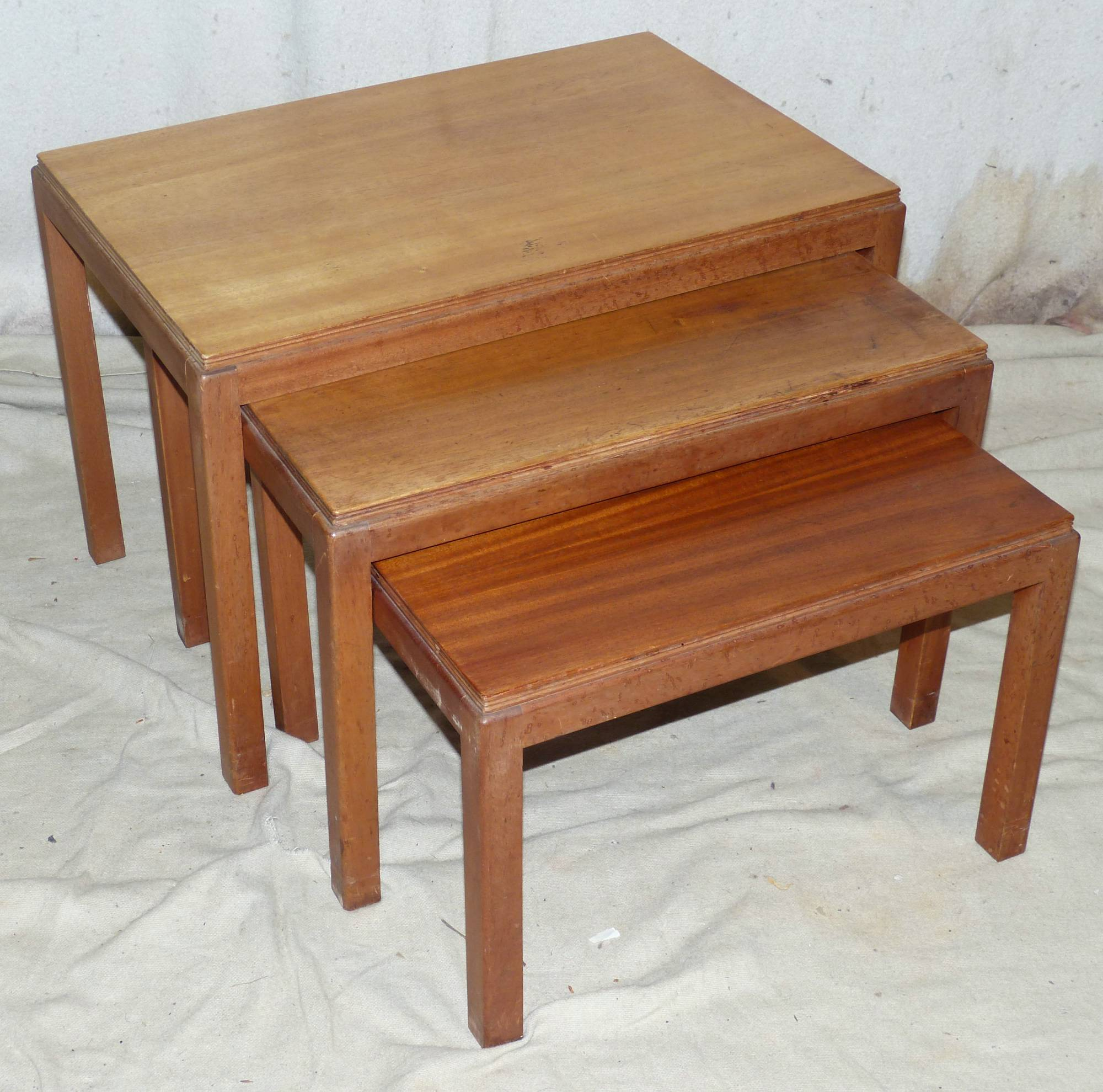 Gordon Russell Coffee Table A Nest Of 3 Gordon Russell Teak Coffee Tables On Square Legs